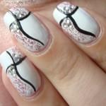 рисунок на ногтях красками.