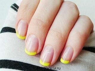 Желтый цвет ногтей.