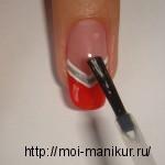 Покрываем рисунок специальным закрепителем для ногтей.