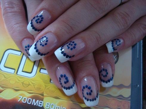 "Рисуем акриловыми красками на ногтях дизайн ""Закрутило по спирали""."