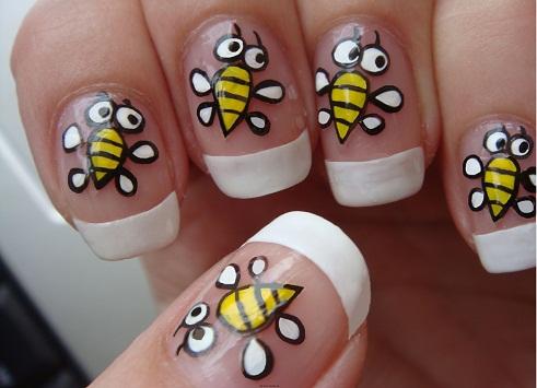 """Модный дизайн ногтей """"Веселые пчелки""""."""
