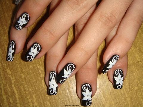 """""""Белые цветы"""" - дизайн ногтей с помощью акриловых красок."""