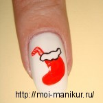 Акриловыми красками на ногтях рисуем новогодний подарочный носок.