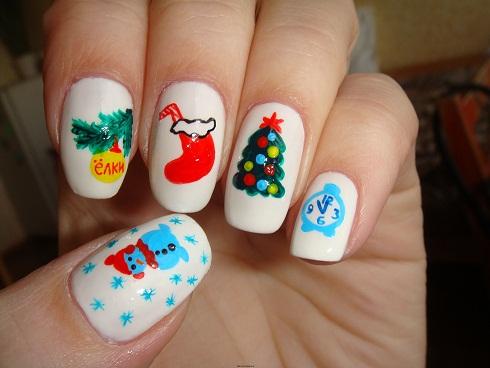 Новогодний дизайн ногтей акриловыми красками.