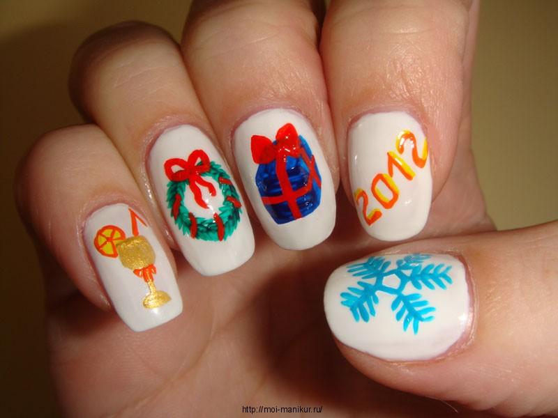 """Дизайн ногтей акрилом """"Новогодняя сказка"""" на второй руке."""