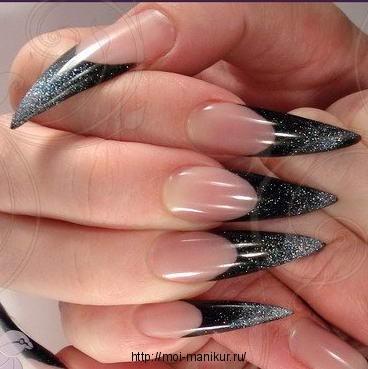 Стилет - форма наращенных ногтей.