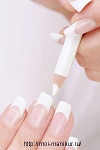 Отбеливаем ногти с помощью карандаша.