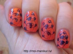 Рисуем иголкой из капелек на ногтях