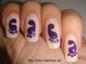 """Дизайн ногтей иголкой """"Следы""""."""