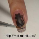 На безымянном пальчике рисуем котика.