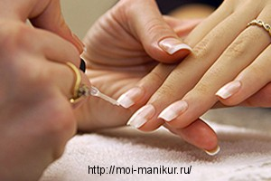 Рисование френча на нарощенных ногтях