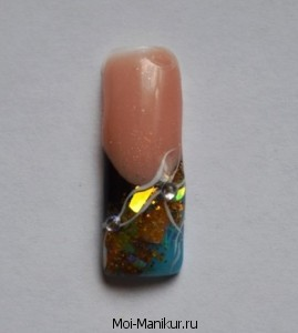 Дизайн  ногтей со слюдой