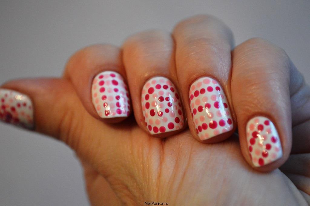Дизайн точками на ногтях