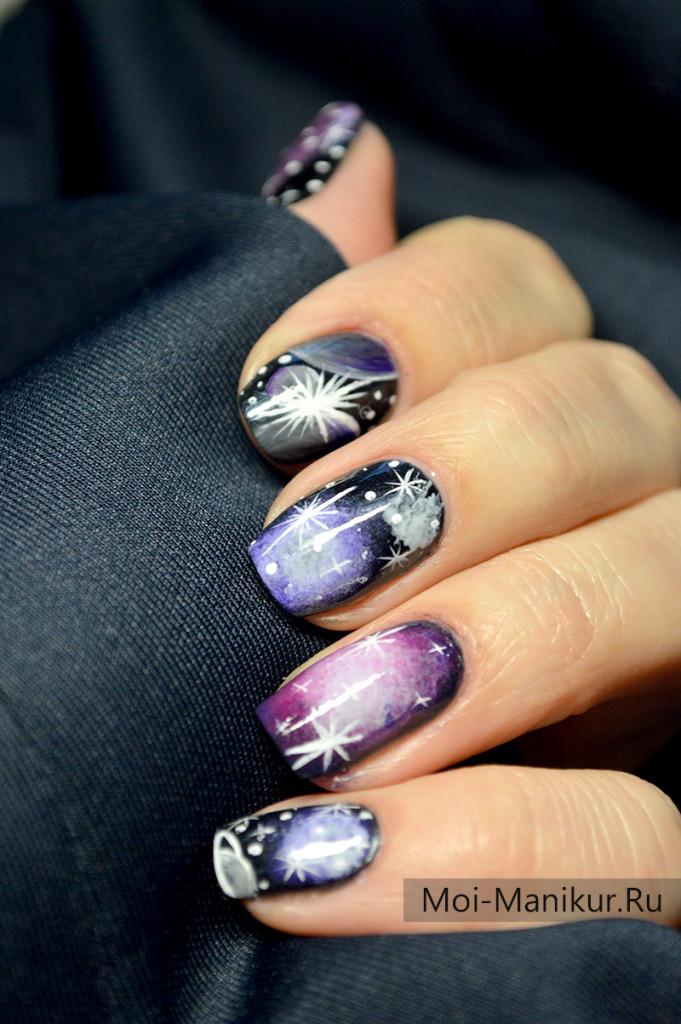 Дизайн ногтей космос