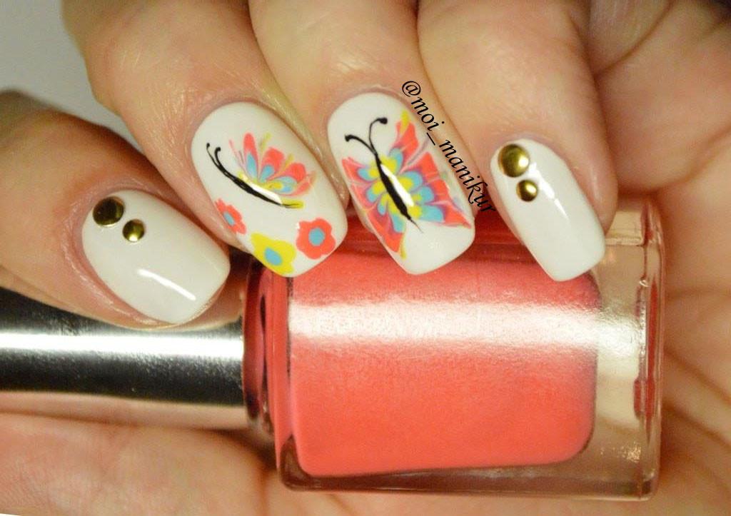 бабочки с помощью иголки на ногтях