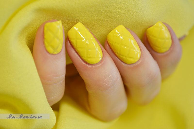 стеганый дизайн ногтей одним цветом