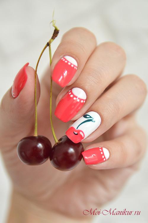 вишня на ногтях