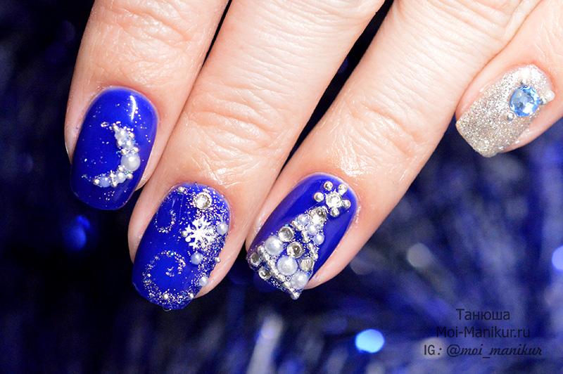 красный Новогодний дизайн ногтей 2018
