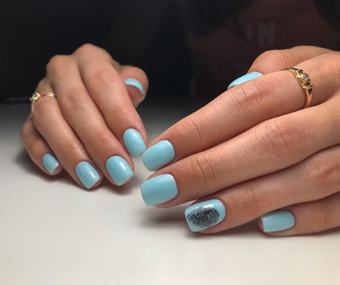 отпечаток пальца на ногтях