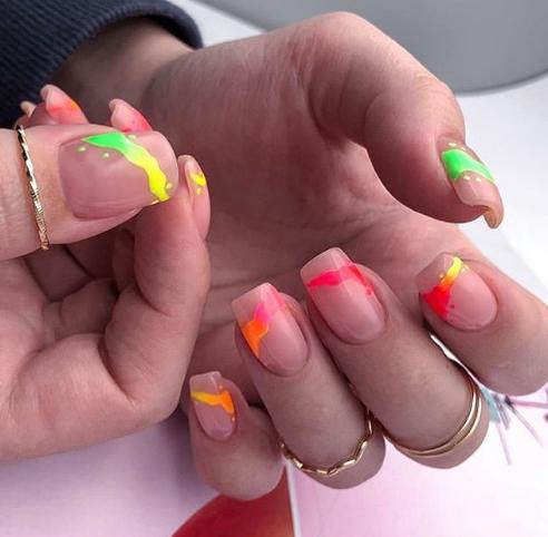 неоновые ногти 2020