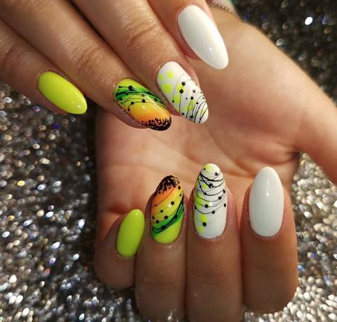 летний фруктовый дизайн ногтей 2020
