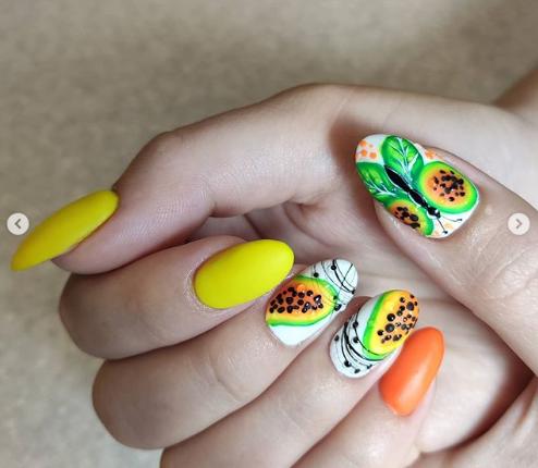 фрукты на ногтях 2020