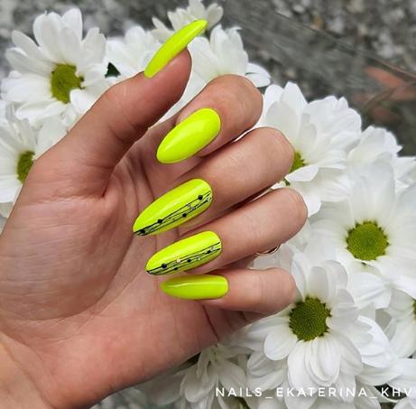 неоновый дизайн ногтей