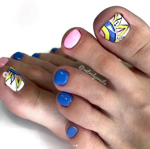 ногти на ногах дизайн 2020